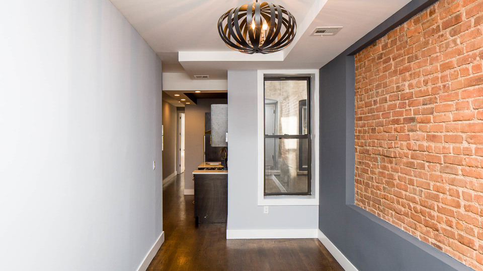A $2,400.00, 3 bed / 1 bathroom apartment in Bushwick