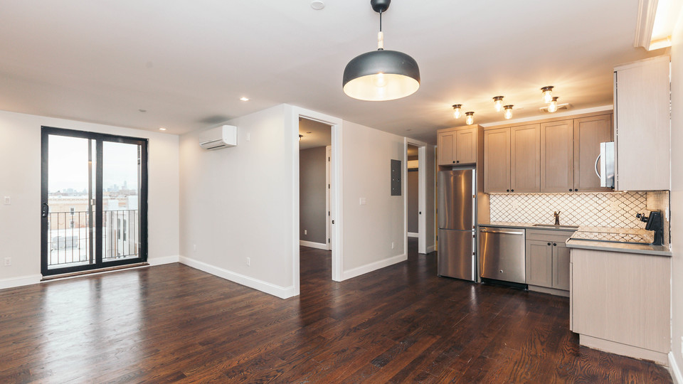 A $3,600.00, 4 bed / 2 bathroom apartment in Ridgewood