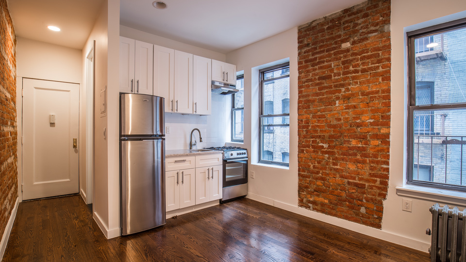 A $1,830.00, 0 bed / 1 bathroom apartment in Crown Heights