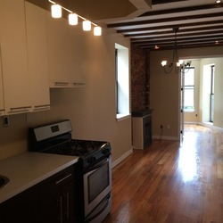 A $4,000.00, 5 bed / 1 bathroom apartment in Crown Heights