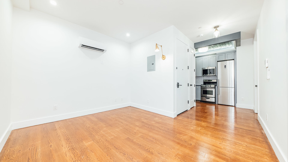 A $2,850.00, 2 bed / 2 bathroom apartment in Williamsburg