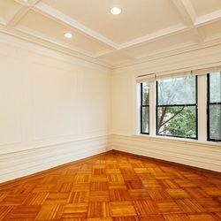 A $3,555.00, 4 bed / 1 bathroom apartment in Clinton Hill