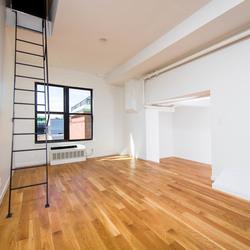 A $2,850.00, 1.5 bed / 1 bathroom apartment in Bushwick