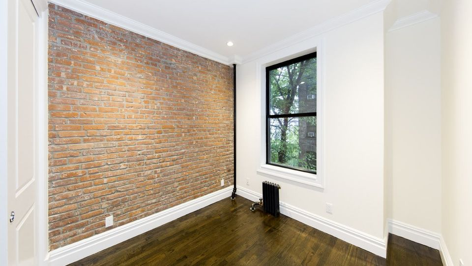 A $5,729.00, 3 bed / 2 bathroom apartment in East Village