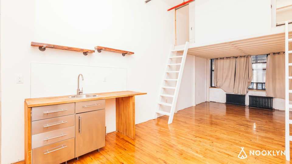 A $1,750.00, 0 bed / 1 bathroom apartment in Bushwick
