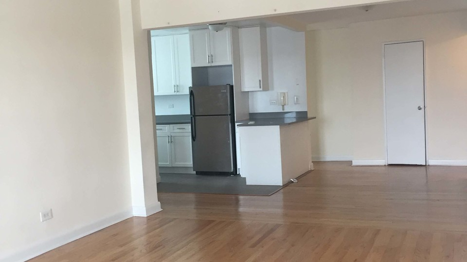 A $2,275.00, 2 bed / 1 bathroom apartment in Flushing