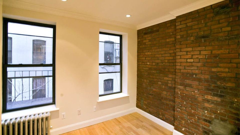 A $3,207.00, 2 bed / 1 bathroom apartment in East Village
