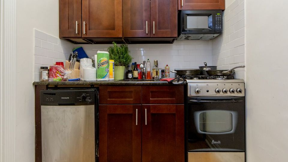 A $2,742.00, 1 bed / 1 bathroom apartment in Midtown