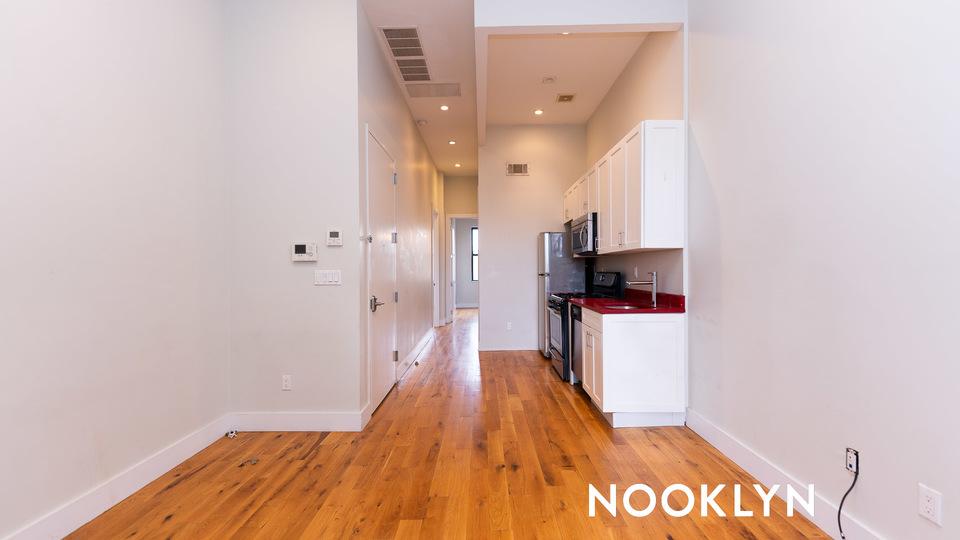 A $2,550.00, 3 bed / 1 bathroom apartment in Bushwick