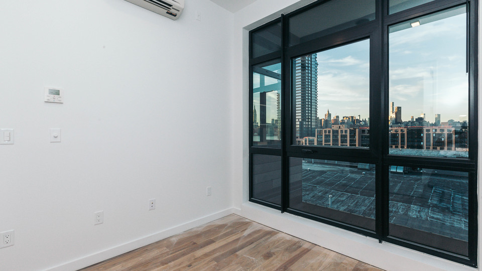 A $4,900.00, 3 bed / 1 bathroom apartment in Greenpoint