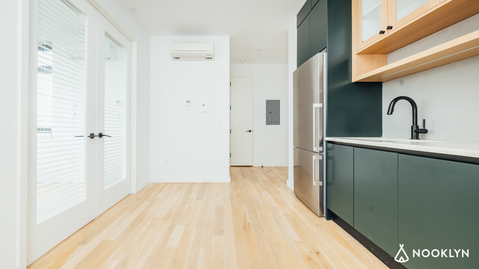 A $3,000.00, 2 bed / 1 bathroom apartment in Greenpoint