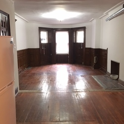 A $1,833.00, 0 bed / 1 bathroom apartment in Crown Heights