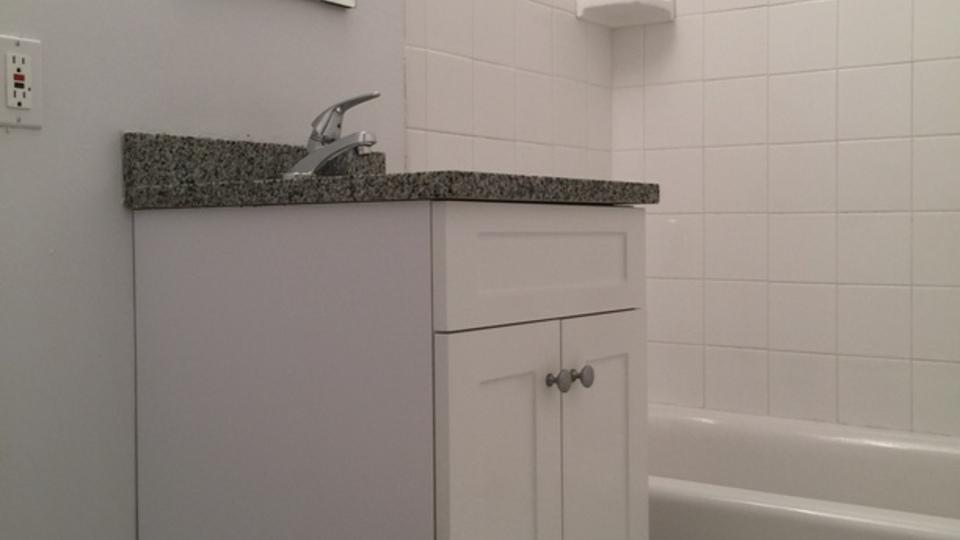 A $1,825.00, 0 bed / 1 bathroom apartment in Astoria