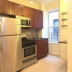 A $3,000.00, 3 bed / 1 bathroom apartment in Crown Heights