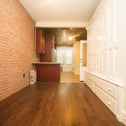 A $1,800.00, 1.5 bed / 1 bathroom apartment in Ridgewood