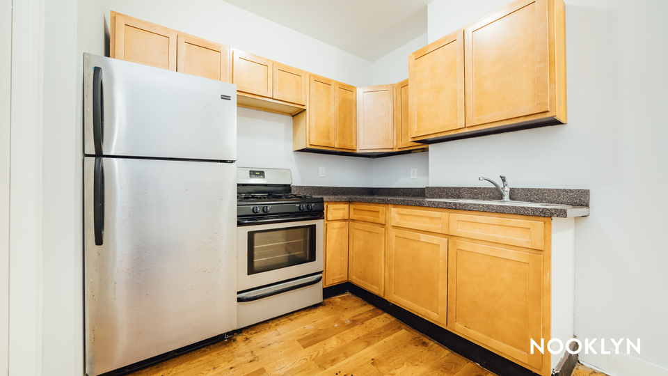 A $2,350.00, 2 bed / 1 bathroom apartment in Bed-Stuy