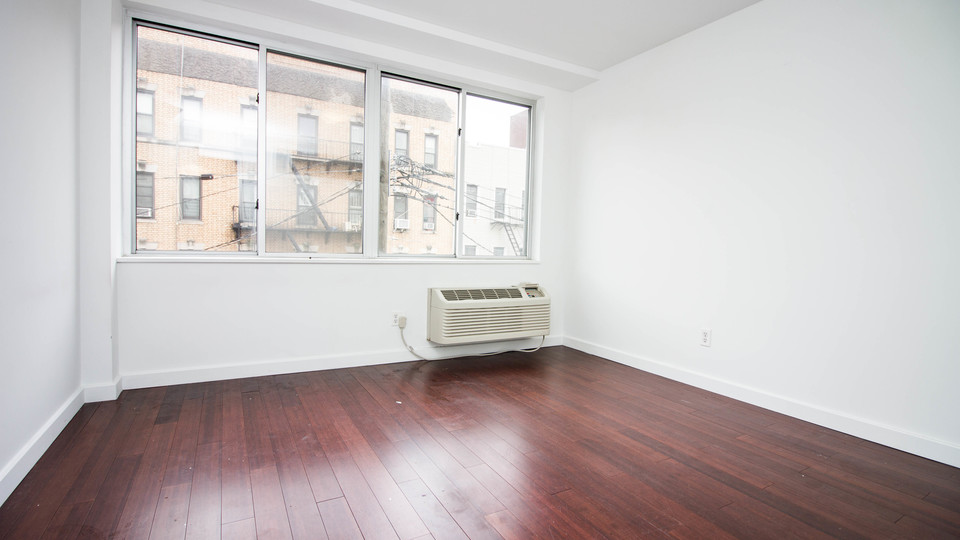 A $2,520.00, 3 bed / 1 bathroom apartment in Bushwick