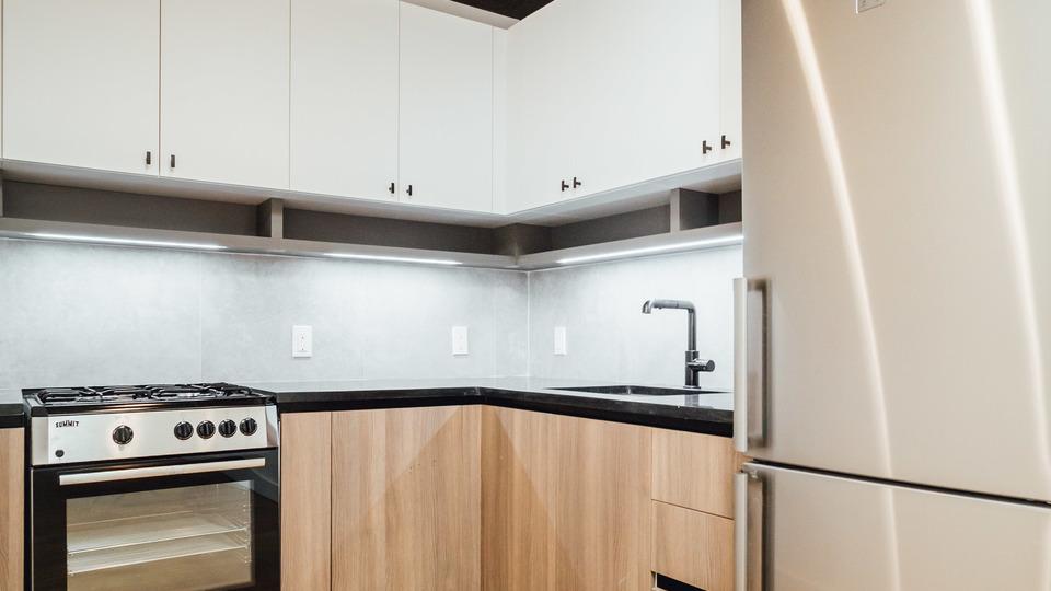 A $2,360.00, 2 bed / 1 bathroom apartment in Kensington