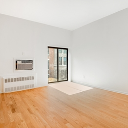 A $2,700.00, 0 bed / 1 bathroom apartment in Gramercy Park