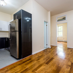 A $2,650.00, 3 bed / 1 bathroom apartment in Bushwick