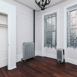 A $2,850.00, 4 bed / 1 bathroom apartment in Crown Heights
