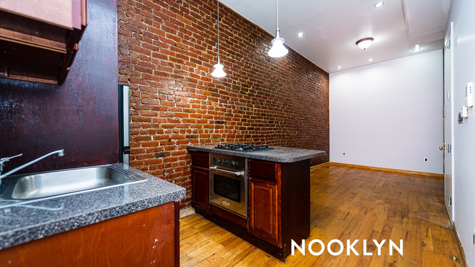 A $2,083.00, 3 bed / 1 bathroom apartment in Bushwick