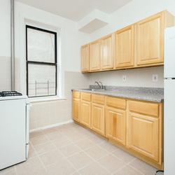 A $2,500.00, 3 bed / 1 bathroom apartment in Flatbush