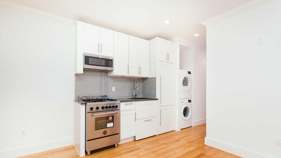 A $2,588.00, 1 bed / 1 bathroom apartment in Clinton Hill
