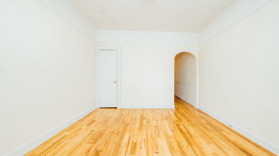 A $1,700.00, 0.5 bed / 1 bathroom apartment in Ridgewood