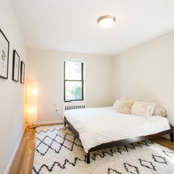 A $5,037.00, 2 bed / 1 bathroom apartment in West Village