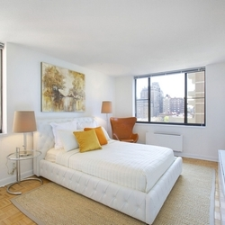 A $3,987.00, 2 bed / 1 bathroom apartment in Upper West Side
