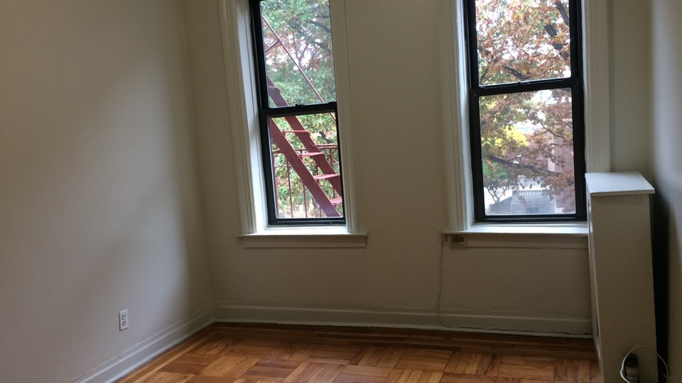 A $1,400.00, 0 bed / 1 bathroom apartment in Flatbush