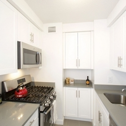 A $3,070.00, 1 bed / 1 bathroom apartment in Upper West Side