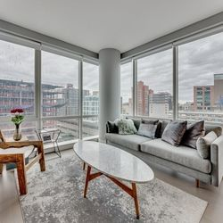 A $3,724.00, 2 bed / 2 bathroom apartment in Long Island City