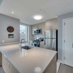 A $3,698.00, 2 bed / 2 bathroom apartment in Long Island City