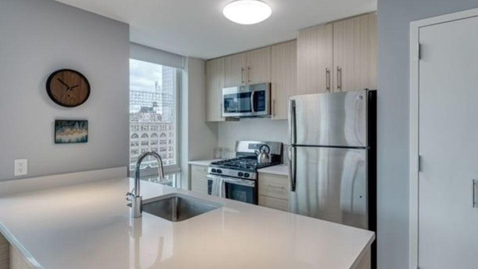 A $4,117.00, 2 bed / 2 bathroom apartment in Long Island City