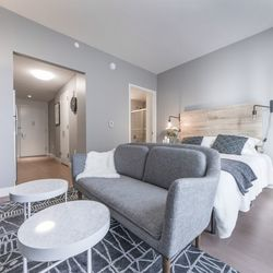 A $2,214.00, 0 bed / 1 bathroom apartment in Long Island City