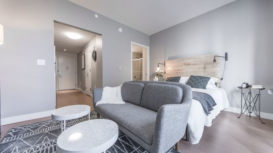 A $2,457.00, 0 bed / 1 bathroom apartment in Long Island City