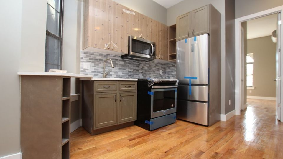 A $2,950.00, 3 bed / 3 bathroom apartment in Bed-Stuy