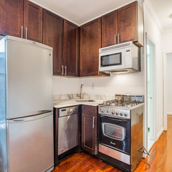 A $3,200.00, 2 bed / 1 bathroom apartment in East Village