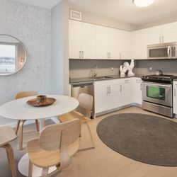 A $3,462.00, 0 bed / 1 bathroom apartment in Williamsburg