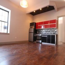 A $2,850.00, 3 bed / 1 bathroom apartment in Bushwick
