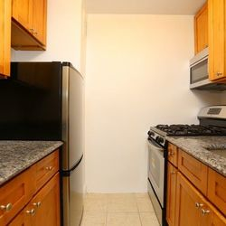 A $2,365.00, 0 bed / 1 bathroom apartment in Upper West Side