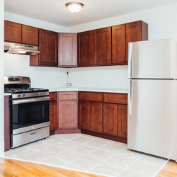A $2,595.00, 3 bed / 2 bathroom apartment in PLG: Prospect Lefferts Gardens