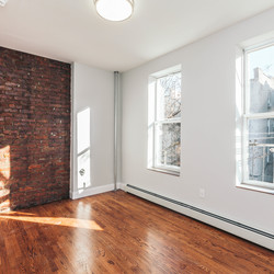 A $3,100.00, 4 bed / 1 bathroom apartment in Ridgewood