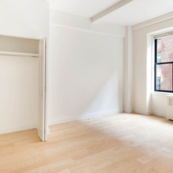A $2,605.00, 0 bed / 1 bathroom apartment in Lincoln Square