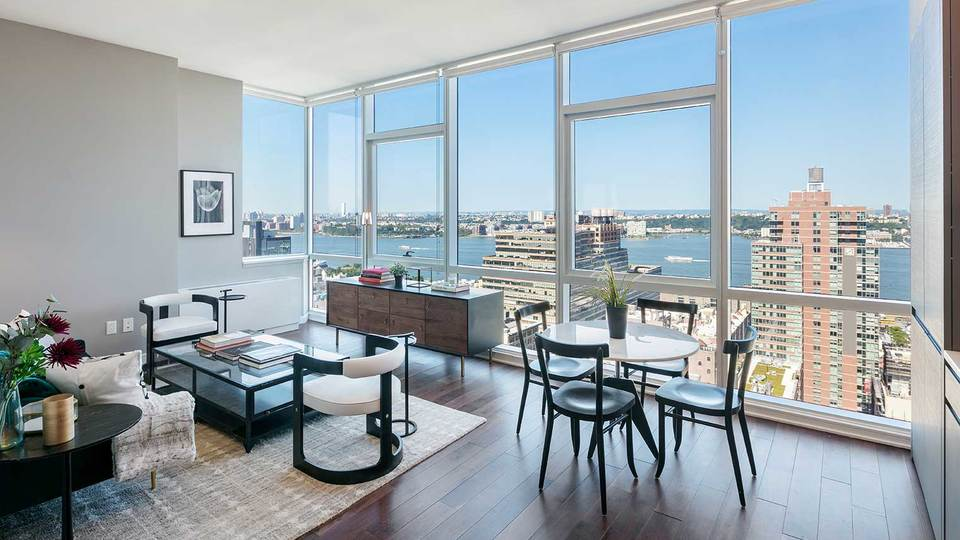 A $3,350.00, 0 bed / 1 bathroom apartment in Chelsea