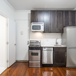 A $3,295.00, 2 bed / 1 bathroom apartment in East Village