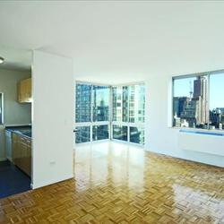 A $5,915.00, 2 bed / 2 bathroom apartment in Chelsea