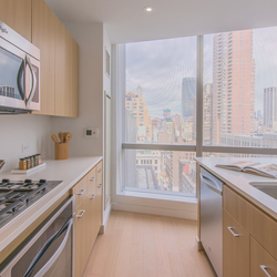A $3,955.00, 0 bed / 1 bathroom apartment in Chelsea